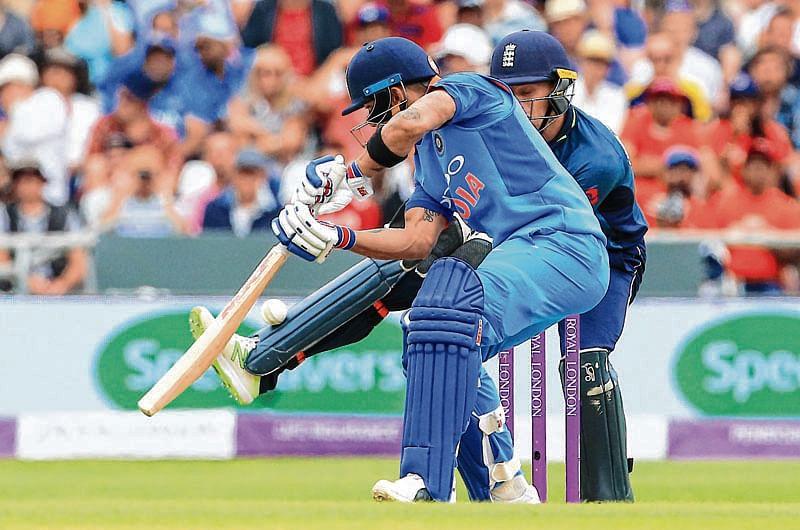 Kohli hits 71 but England restrict Men in Blue to 256