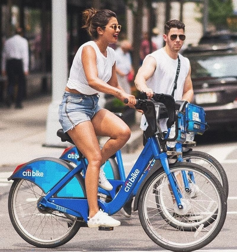 Priyanka Chopra spends quality time with Nick Jonas' family in a unique way; see pics