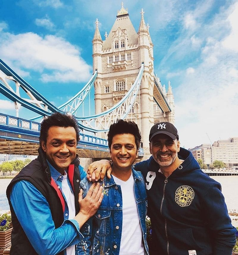 It's a wrap for Housefull 4! Akshay Kumar, Kriti Sanon, Bobby Deol and others complete first schedule in London