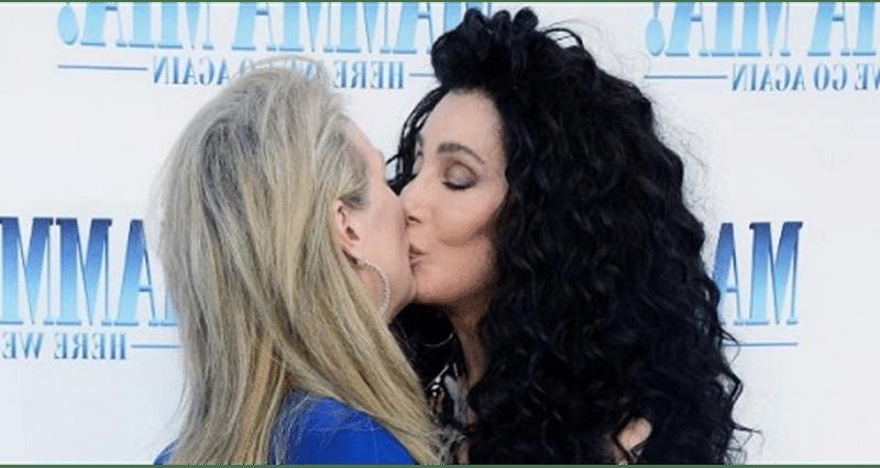 Meryl, Cher lock lips at 'Mamma Mia!…' premiere