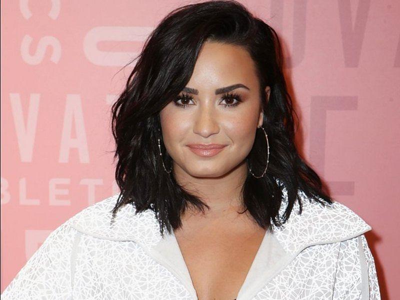Priyanka Chopra prays for Demi Lovato's recovery