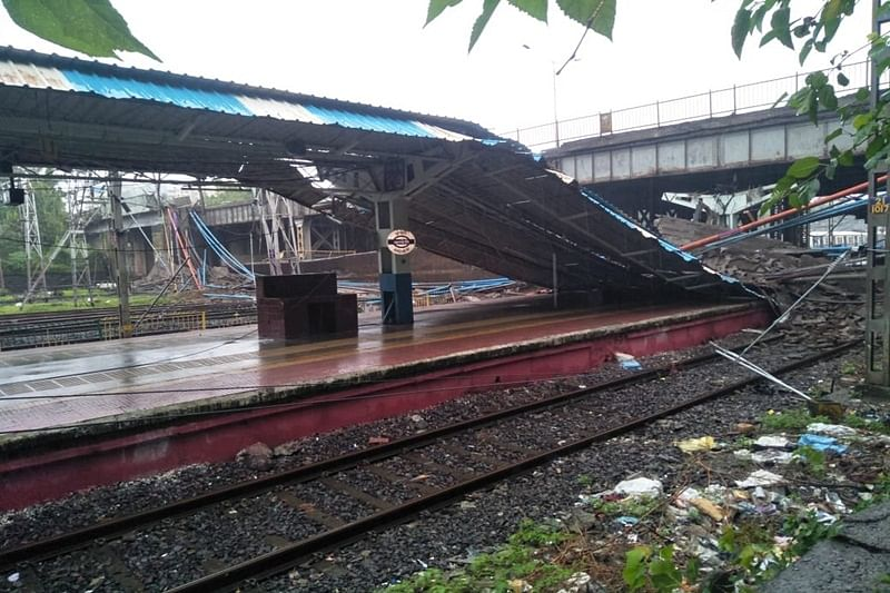 Mumbai: Footover bridge collapses near Andheri station, 5 injured