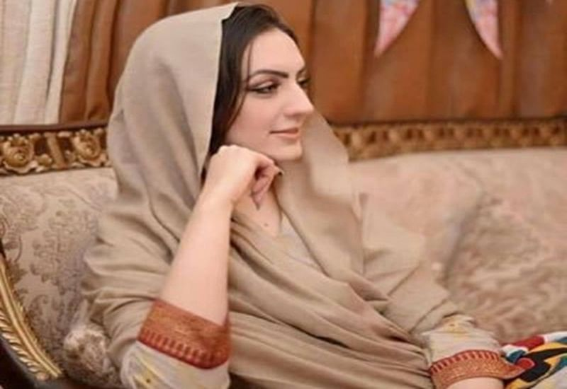 Pakistan elections 2018: Imran Khan's wife Bushra Maneka congratulates nation on PTI victory