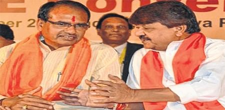 Mhow assembly polls: SC orders notice to Shivraj Singh Chouhan, Kailash Vijayvargiya