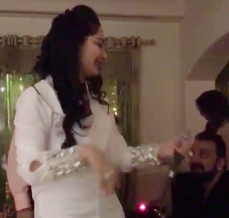 Maanayata Dutt sings 'Kya Yahi Pyaar Hai' for Sanjay Dutt, he is flattered; watch video