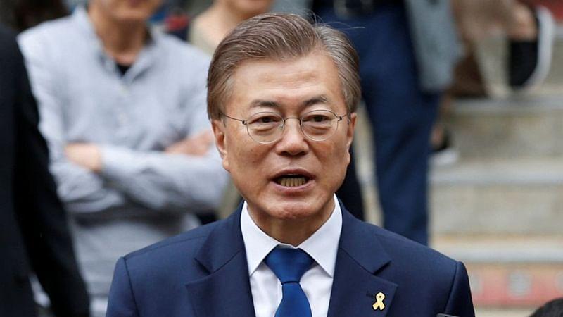 South Korean leader Moon Jae-in arrives in Pyongyang for summit