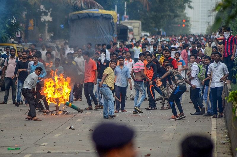 Maratha quota stir: Bandh brings Mumbai to its knees as peaceful protest turns violent