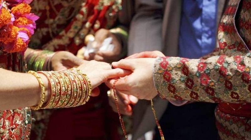Jailed gangster marries air hostess at Jodhpur temple