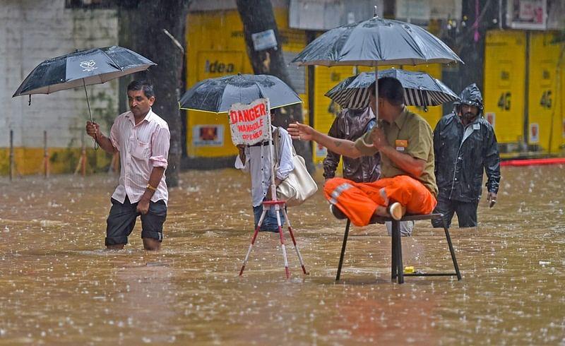 Mumbai Rains Latest Updates: Heavy to very heavy rainfall in next 24 hours, predicts IMD