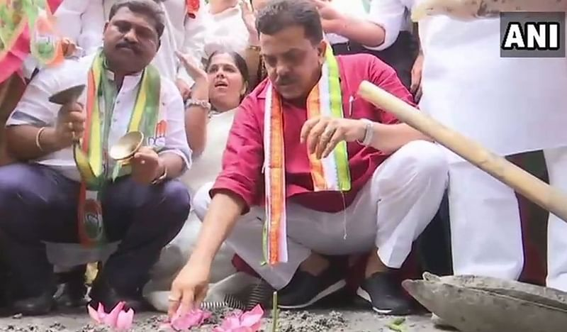 Mumbai: Congress launches campaign to count potholes in city, says BMC 'miserably failed'