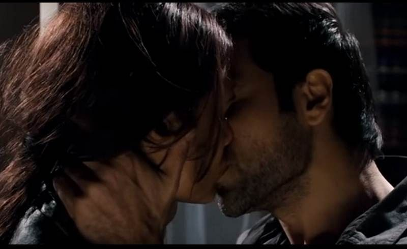International kissing day: These sensuous and hot kisses of Emraan Hashmi prove that he is undoubtedly the 'serial kisser 'of Bollywood