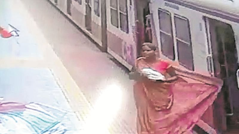 Mumbai: Woman slips under moving train while alighting at Kanjurmarg station, alert cop saves her