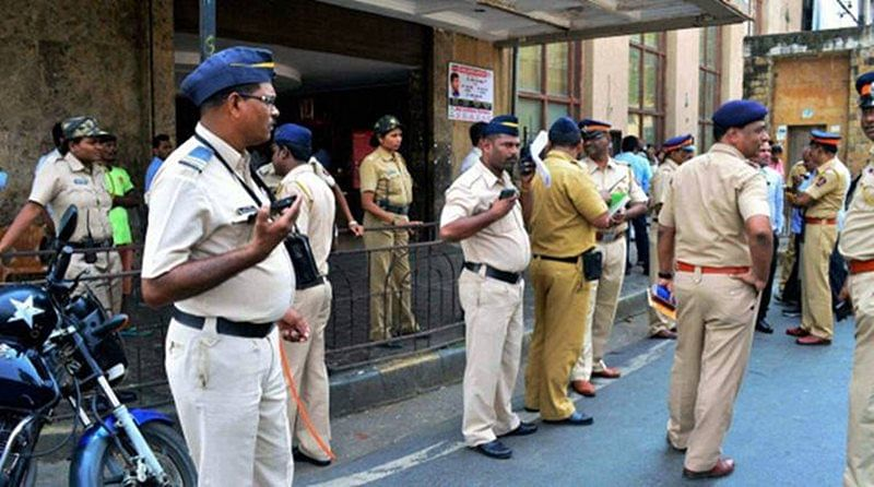 Raid at Mumbai's Crawford Market: 850 first copies of high-end watches, illegally imported cigarettes worth Rs 21 lakh seized