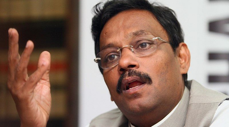 Tawde calls for more usage of Marathi on social media