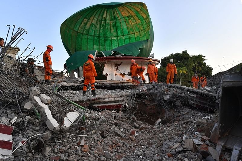 Death toll in Indonesia's Lombok island earthquake reaches to 555