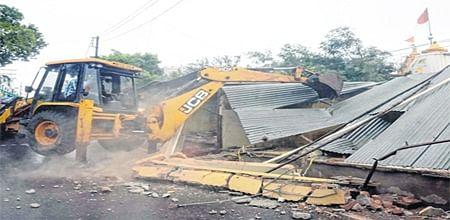 Ujjain: 25 illegal shops razed in Mahakaleshwar Temple area