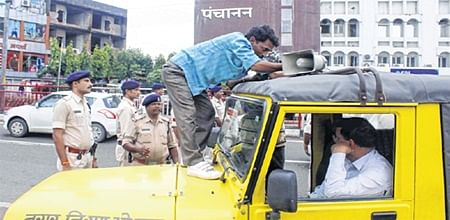 Bhopal: Authorities wake up to cure city of illegal hooters menace
