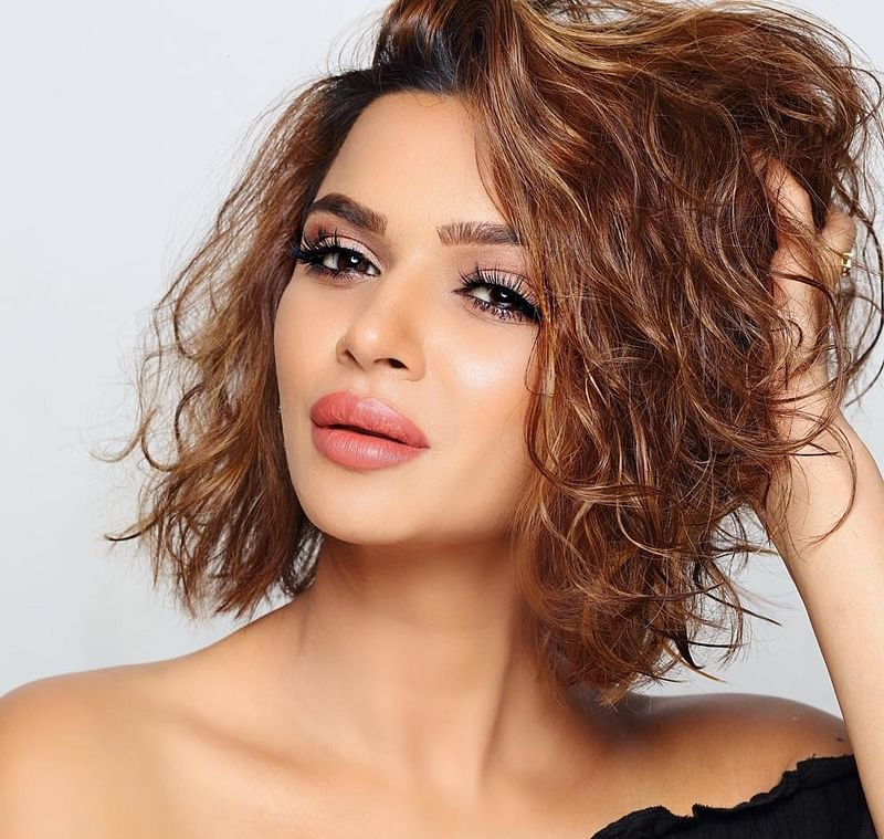 """I just wanted fuller lips, I am my own sculptor!"" Aashka Goradia speaks out on body shaming"