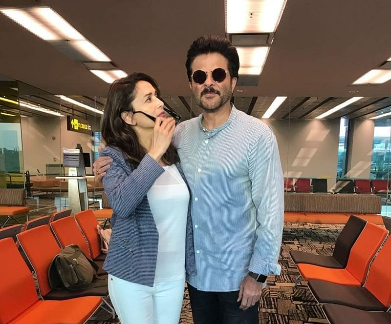 'Dhak Dhak' jodi Anil Kapoor-Madhuri Dixit bump into each other; see pic