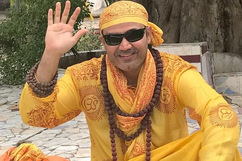 See Pic: 'Baba' Virender Sehwag gives his blessings to Team India in hilarious style