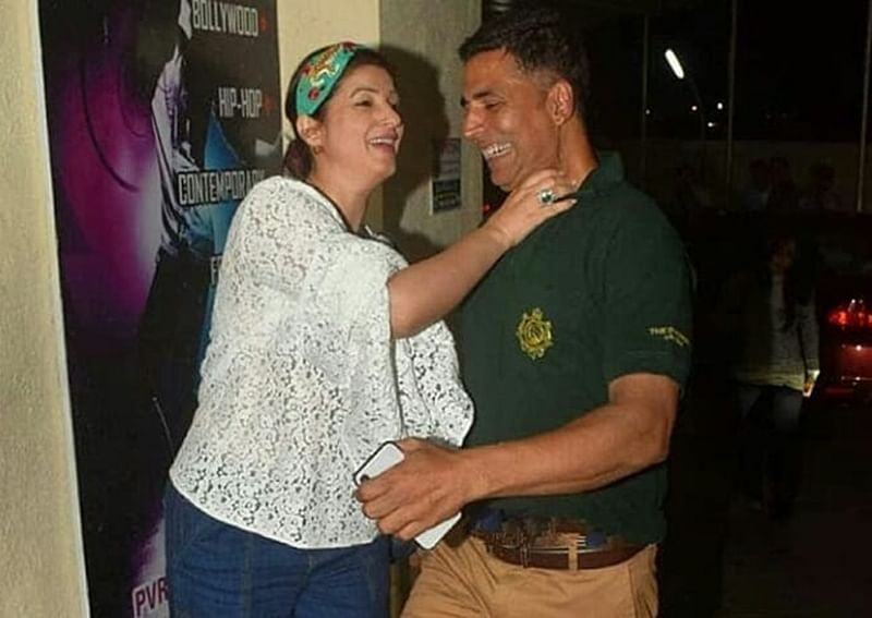 Akshay Kumar-Twinkle Khanna go 'youngistaan' with their recent PDA at a theatre