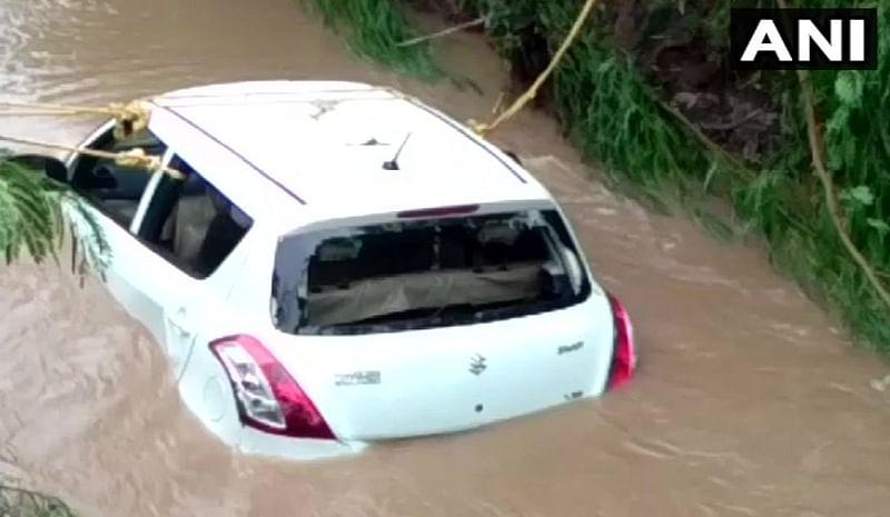 Madhya Pradesh: 4 people dead after their car swept away in Mandsaur