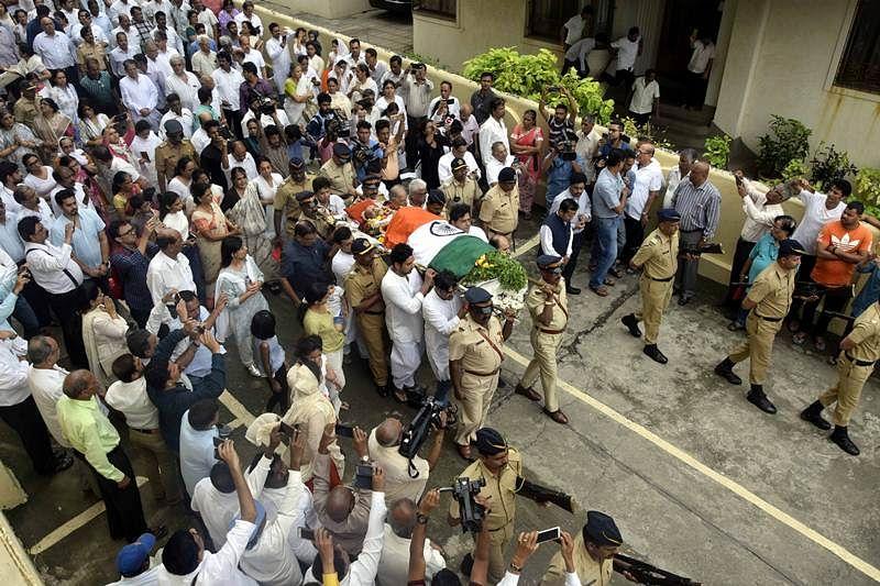 Former Indian skipper Ajit Wadekar's funeral procession (Photo by Bhushan Koyande)