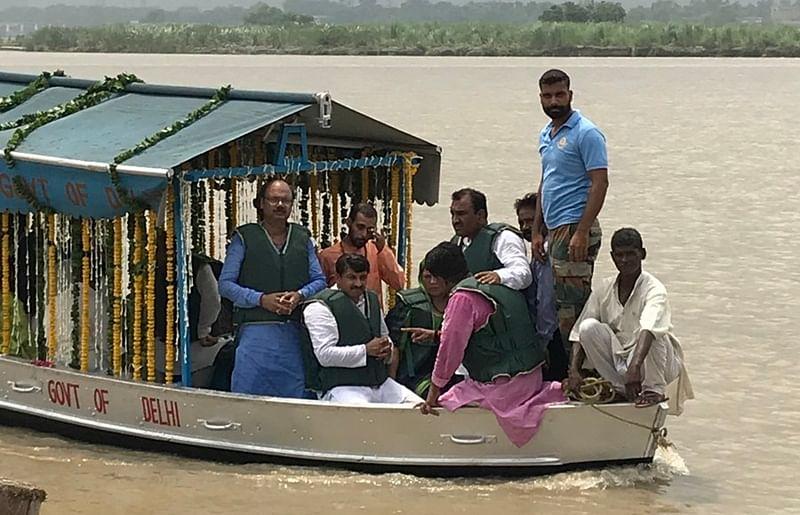 Delhi: BJP takes out 'asthi kalash yatra', immerses Vajpayee's ashes in Yamuna