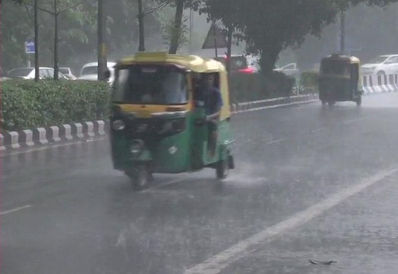 Heavy rains lash parts of central and south Delhi