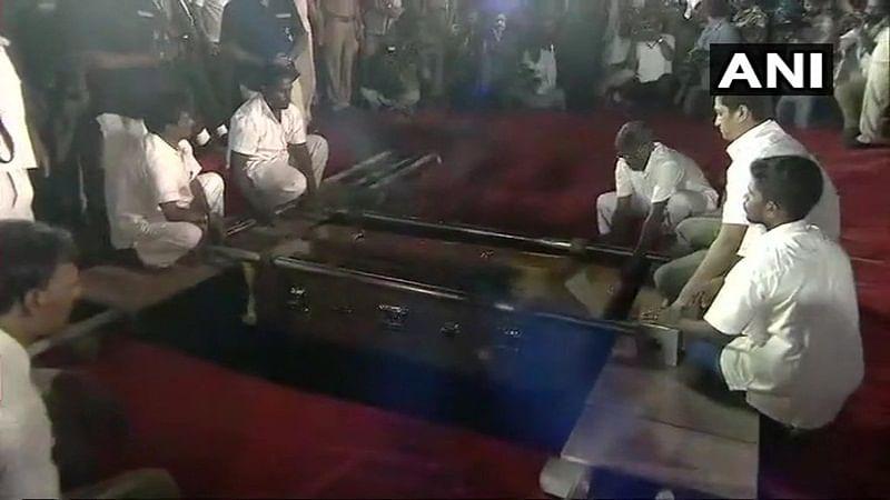 Karunanidhi death Live Updates: Kalaignar laid to rest at Marina beach