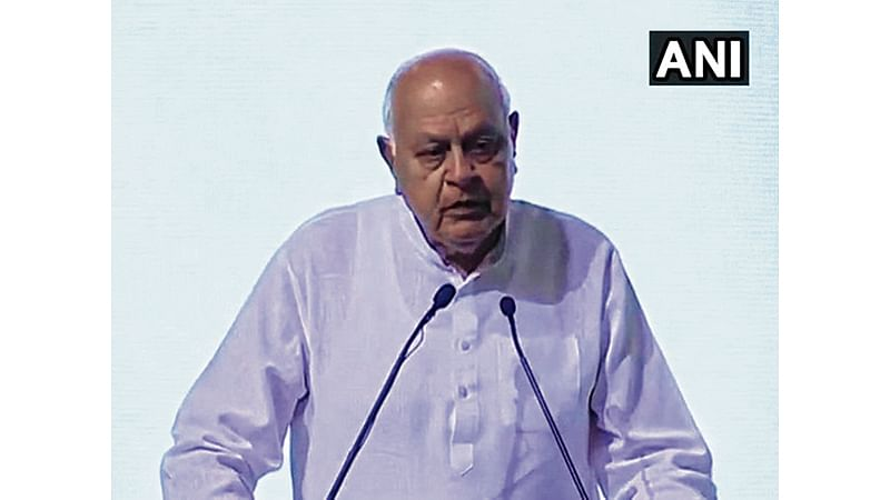 J&K: Farooq Abdullah heckled by his 'own people' during Eid prayers