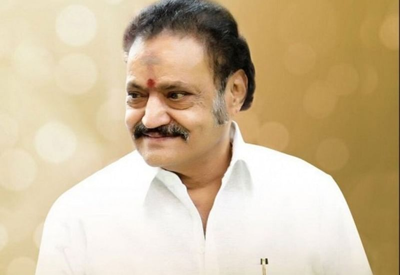 Vice President, politicians, celebrities pay last respects to NTR's son Nandamuri Harikrishna