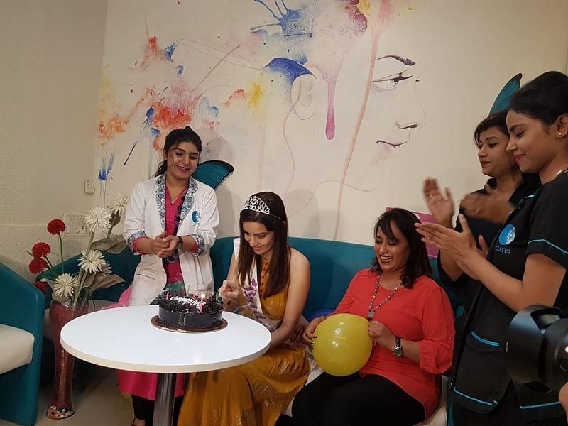 TV actress Ekta Kaul enjoys bridal bash like there is no tomorrow; see pics