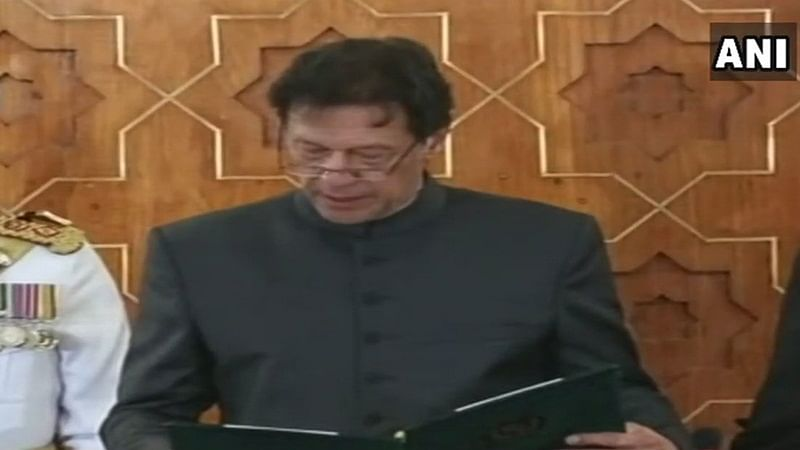 New Pakistan PM Imran Khan fumbles over Urdu words during oath-taking ceremony, watch video