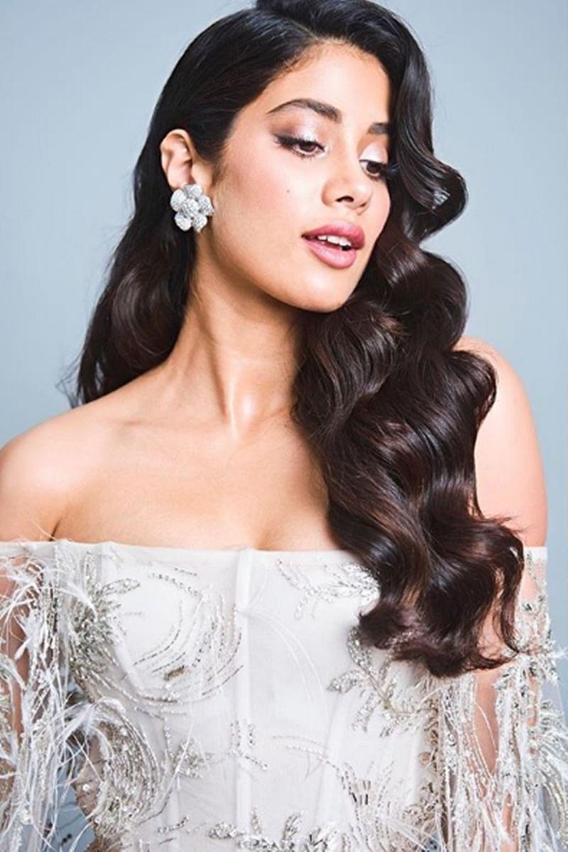 'Dhadak' actress Janhvi Kapoor creates magic at Vogue Beauty Awards