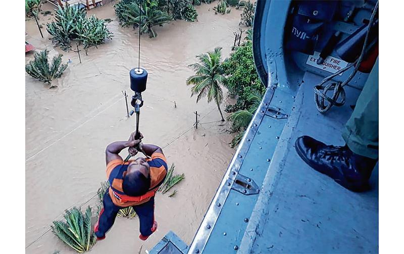 Kolhapur flood: Over 50,000 affected, Navy teams mobilised