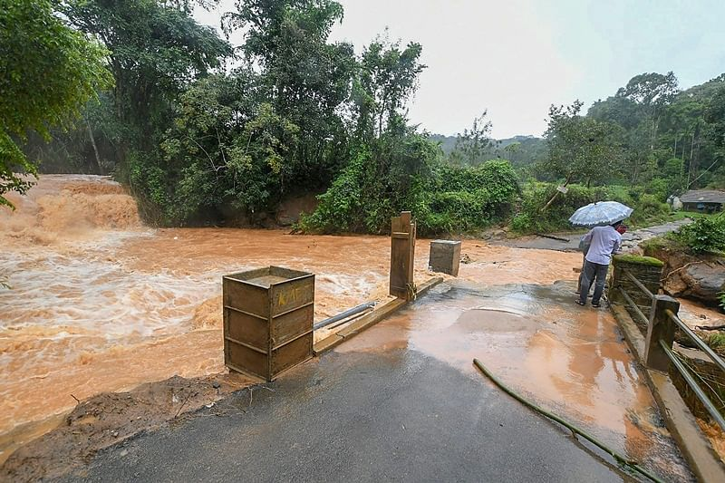 Karnataka CM Kumaraswamy urges Centre for Rs 100 crore relief fund for rain-hit Kodagu