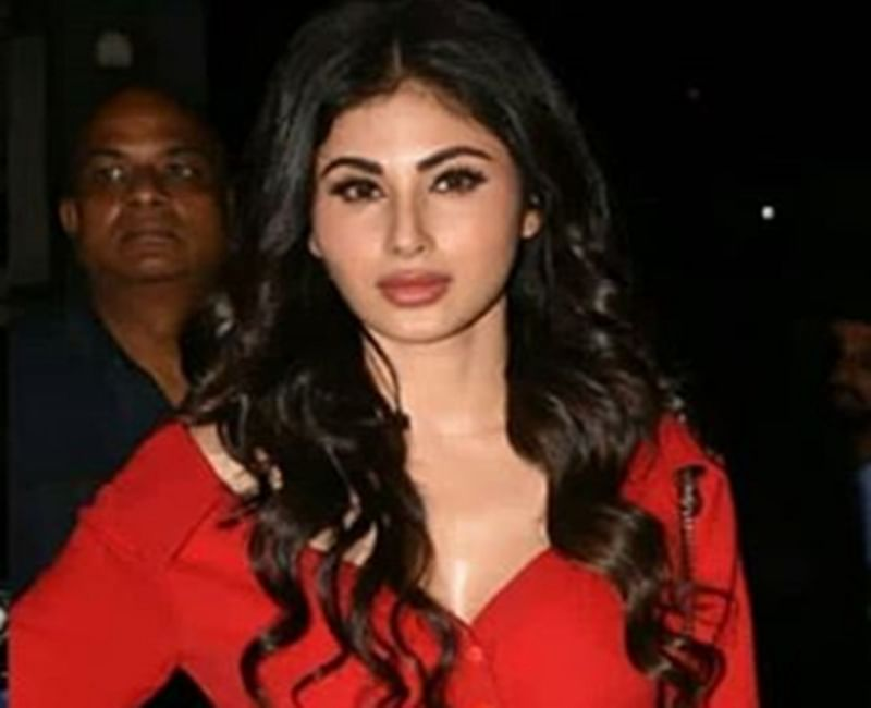Gold actress Mouni Roy looks flaming hot in short red dress; check out