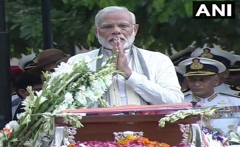 PM Modi condoles demise of veteran ad guru Alyque Padamsee
