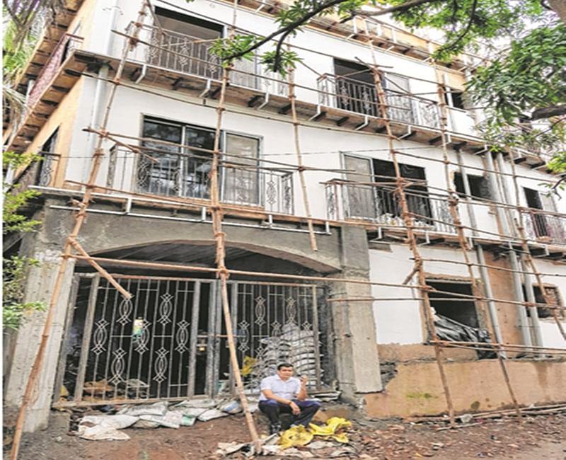Mumbai: BMC takes action against illegal under-construction land mafia's hotel at Sahar Road, Andheri