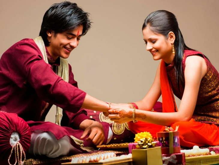 Raksha Bandhan 2018: From selfie pen to attending stand-up comedy, our guide to celebrating Raksha Bandhan