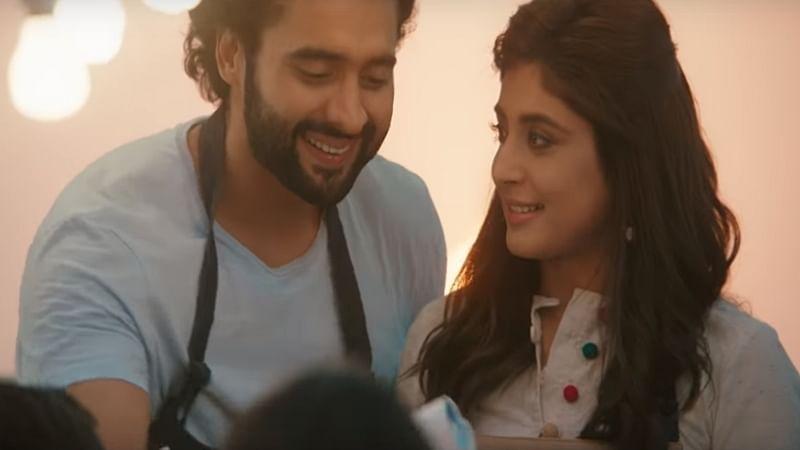 'Mitron' song Sawarne Lage: Take a sip of brewing love story between Jackky Bhagnani and Kritika Kamra