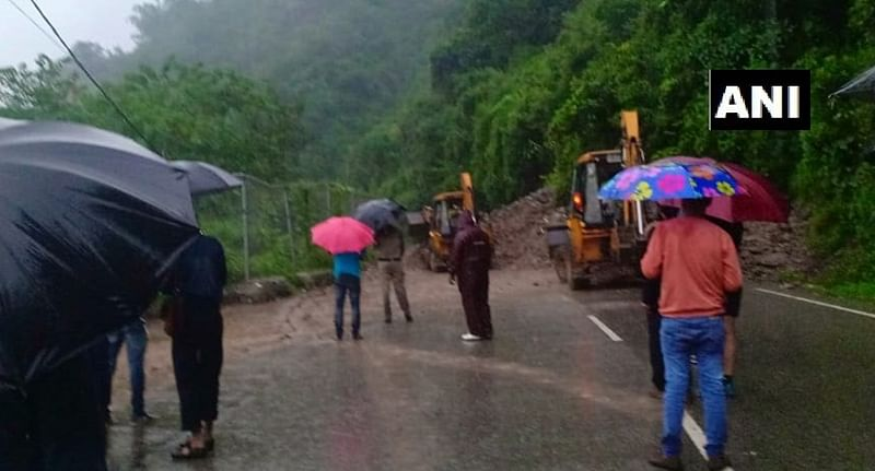 North coastal Andhra Pradesh on high alert for cyclonic storm 'Titli'