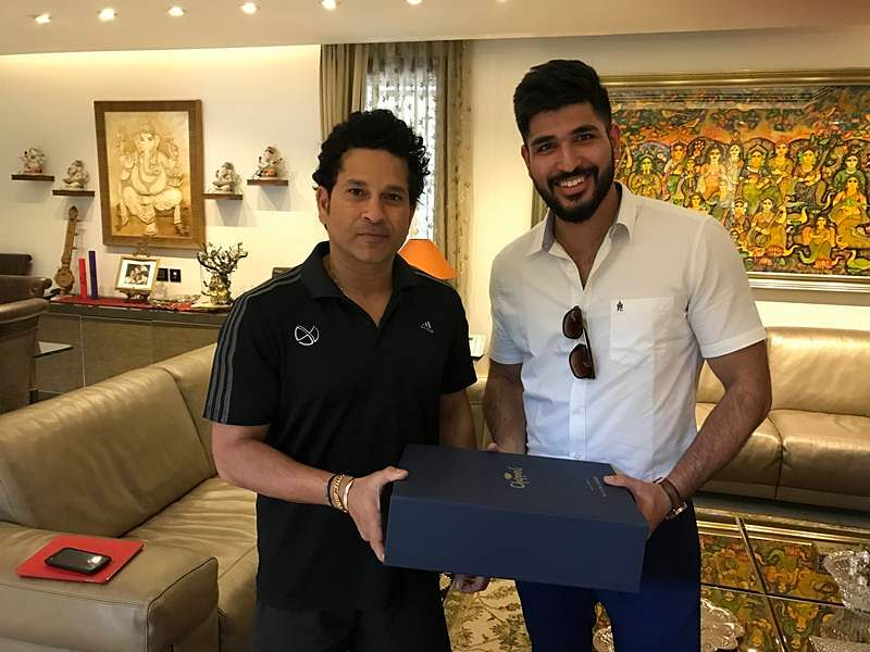 Harshwardhan Patwardhan with Sachin Tendulkar