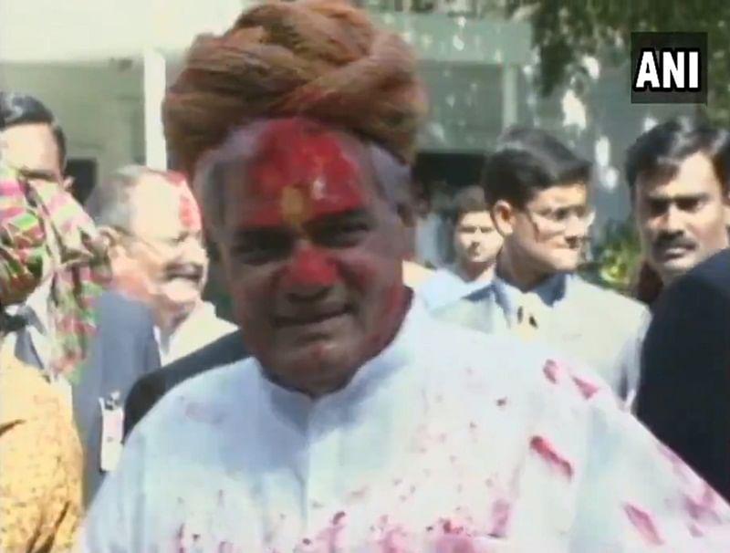Watch always jovial former PM Atal Bihari Vajpayee dancing with Narendra Modi at a program