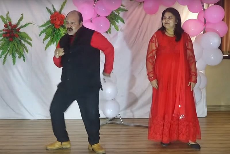 Viral Video! Dancing Uncle Sanjeev Shrivastava is back with Mithun Chakraborty's 'Julie Julie'