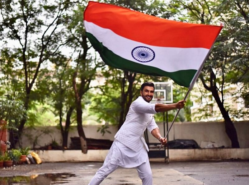 Ranveer Singh, Amitabh Bachchan, Akshay Kumar wish fans on 72nd Independence Day