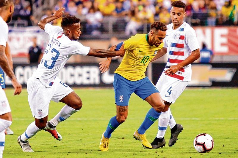 Neymar on target as Brazil cruise over USA