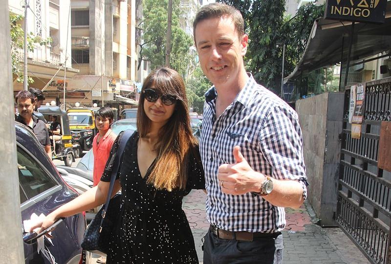Adorable couple! Ileana D'Cruz poses with alleged boyfriend Andrew Kneebone in Mumbai; see pics