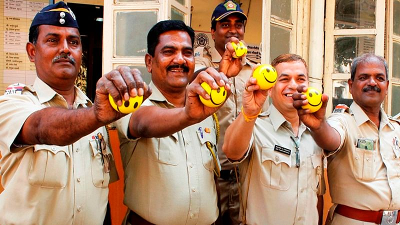 World Heart Day: Wockhardt distributes 5,000 stress balls to corporate staffers, police officials